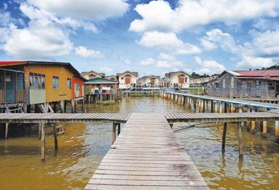 """Thăm làng nổi lớn nhất thế giới Kampung Ayer  –  """"Venice phương Đông"""""""