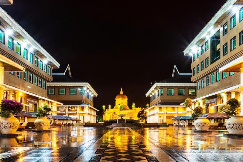Istana Nurul Iman - cung điện lớn nhất thế giới