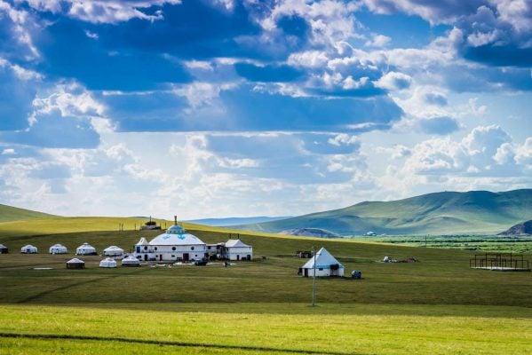 Sống tại những túp lều trên thảo nguyên