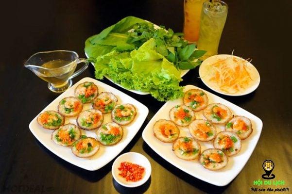Bánh ở quán ăn vặt Thiên Phú được nhiều người ưa thích- ảnh sưu tầm