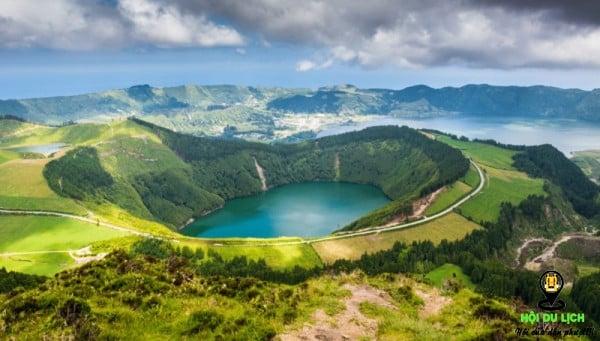 Chiêm ngưỡng vẻ đẹp của những hồ nước có màu xanh ngọc bích tuyệt đẹp- ảnh sưu tầm