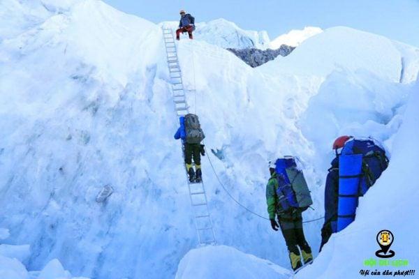 Chinh phục ngọn núi Everest- ảnh sưu tầm