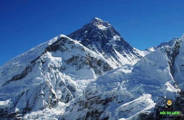 Everest thuộc dãy Himalaya ở Nepal- ảnh sưu tầm