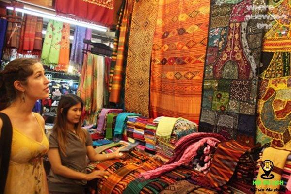 Lụa Thái món quà ý nghĩa nên mua làm quà khi du lịch Chiang Mai- ảnh sưu tầm