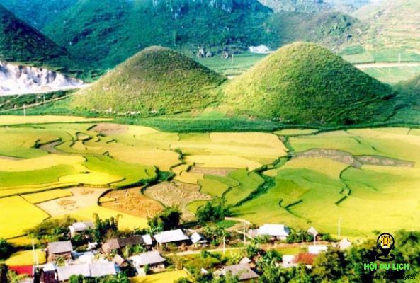 Núi đôi ở Quảng Bạ Hà Giang- ảnh sưu tầm