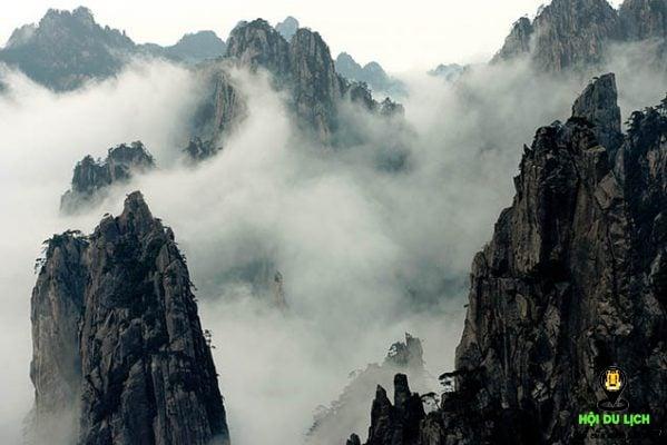 Núi Hoàng Sơn- ảnh sưu tầm