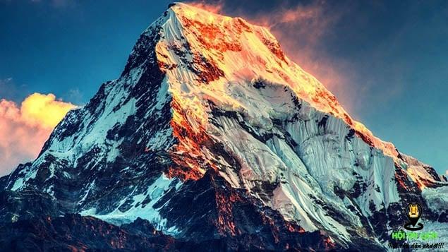 Ngọn núi Everest hùng vĩ- nóc nhà của thế giới (ảnh sưu tầm)