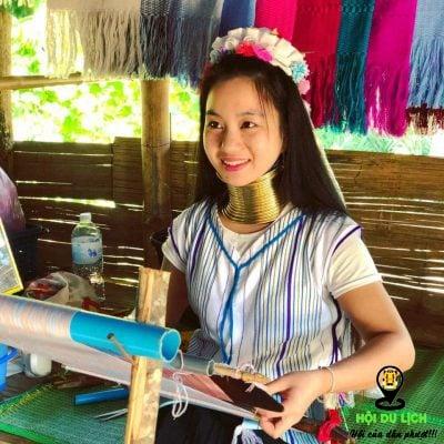 Những cô gái với chiếc cổ dài ở bộ tọc Karen- ảnh sưu tầm