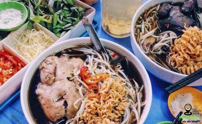 Kiếm tìm món ngon tại quán ăn vỉa hè ở Hà Nội