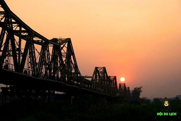 """Cầu Long Biên - cây cầu """"bắc qua thế kỷ"""""""