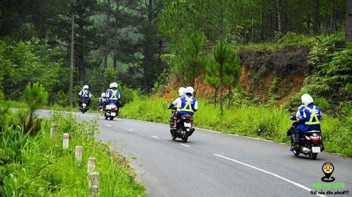 Du lịch Bà Nà bằng xe máy