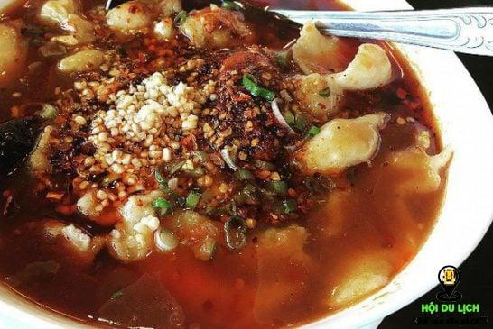 Khám phá văn hóa ẩm thực Phượng Hoàng Cổ Trấn