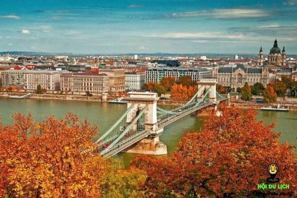 Lãng mạn những thành phố cổ Baroque in bóng trên dòng sông Danube
