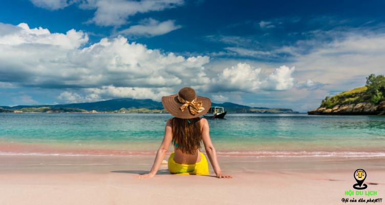 Bãi biển Pink Beach - Komodo, Indonesia