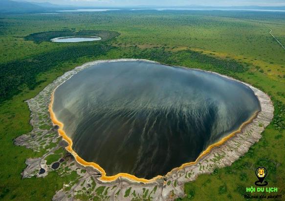 Hồ nước đổi màu kì lạ ở Indonesia- ảnh sưu tầm