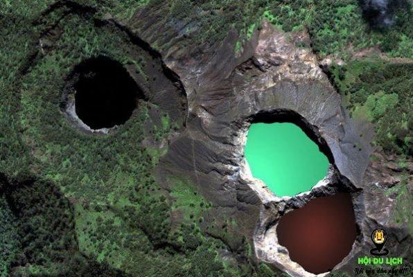 Hồ nước ba màu ở Indonesia- ảnh sưu tầm