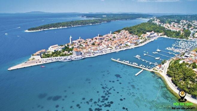 hòn đảo xinh đẹp Rab ở Croatia