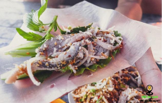 Món gỏi cá trích hấp dẫn ở Hàm Ninh- ảnh sưu tầm