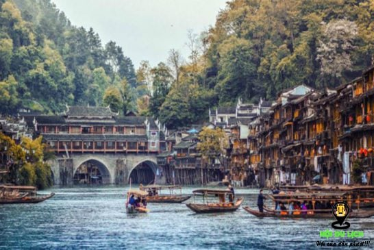 Phượng hoàng cổ trấn đi mùa nào đẹp để tận hưởng vẻ đẹp nên thơ nhất