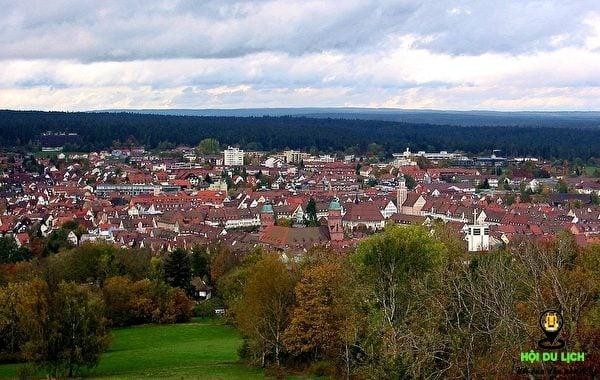 Thị trấn Freudenstadt nổi tiếng với làng suối nước nóng trong Rừng Đen ở Đức- ảnh sưu tầm