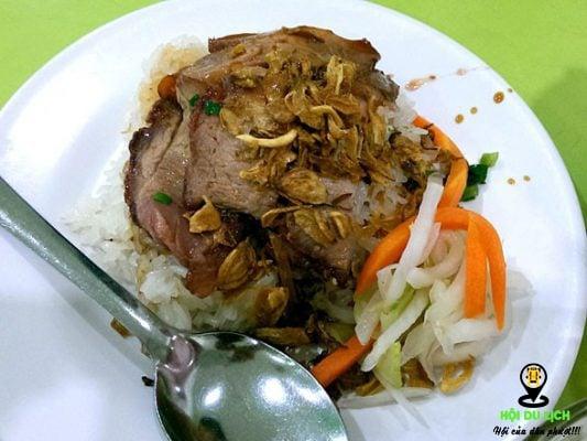 Xôi chè Bùi Thị Xuân có mùi vị thơm ngon, không nhầm lẫn được với quán ăn vặt nào.