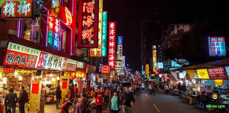 Chợ đêm Thạch Tâm nổi tiếng về ẩm thực Đài Loan.