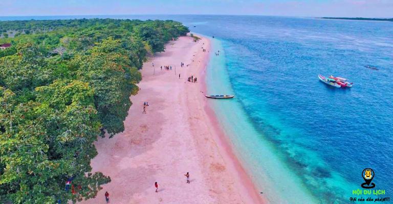 Bãi biển đảo Great Santa Cruz - Philippines với màu hồng ấn tượng
