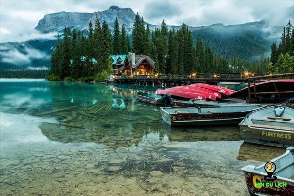 Hồ Emerald Lake vườn quốc gia Yoho