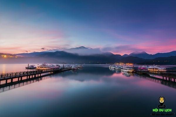 Khung cảnh đẹp mê hồn ở hồ Nhật Nguyệt