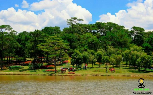 Hồ than thở đẹp như tranh (ảnh sưu tầm)