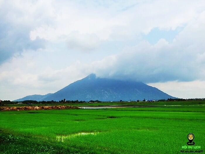 Núi Bà Đen Tây Ninh. Ảnh sưu tầm