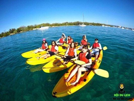 Chèo thuyền Kayak cho người chơi trải nghiệm lênh đênh sóng nước hấp dẫn