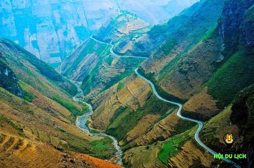 Đèo Mã Pí Lèng cung đường đẹp nhất nhất vùng biên giới phía Bắc.