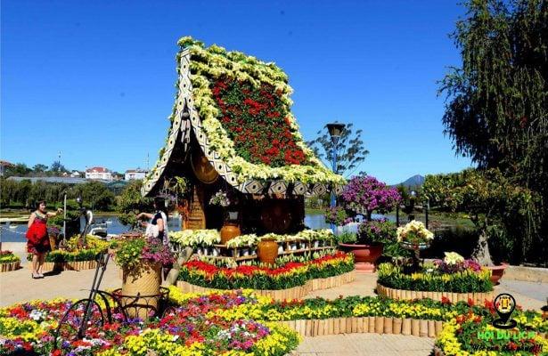 Xứ sở ngàn hoa khoe sắc