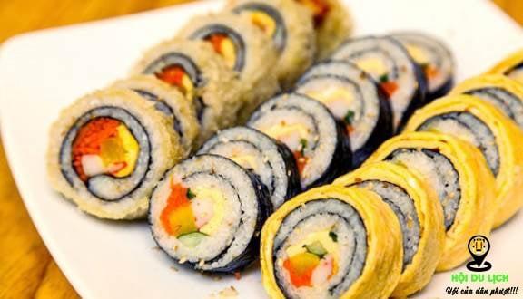 Gimbap là một trong những món ăn phổ biến của người Hàn
