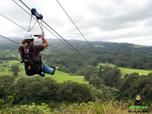 Zipline - một trải nghiệm về độ cao hoàn hảo