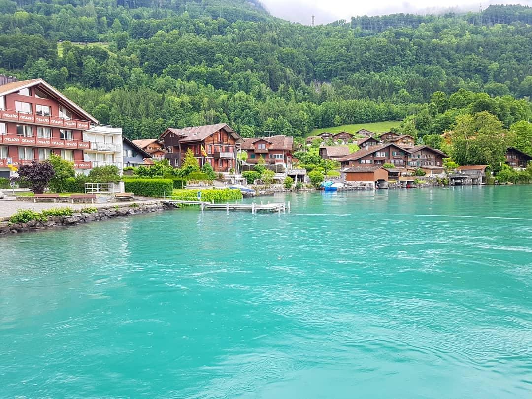 Cảnh sắc tuyệt vời thơ mộng tại hồ Brienz