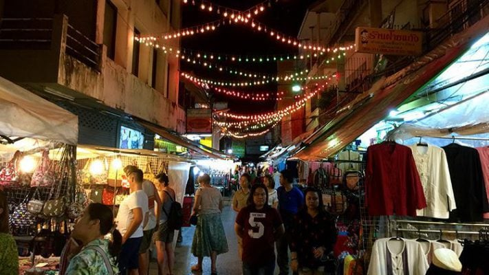 Chợ đêm Chiang Rai nhộn nhịp