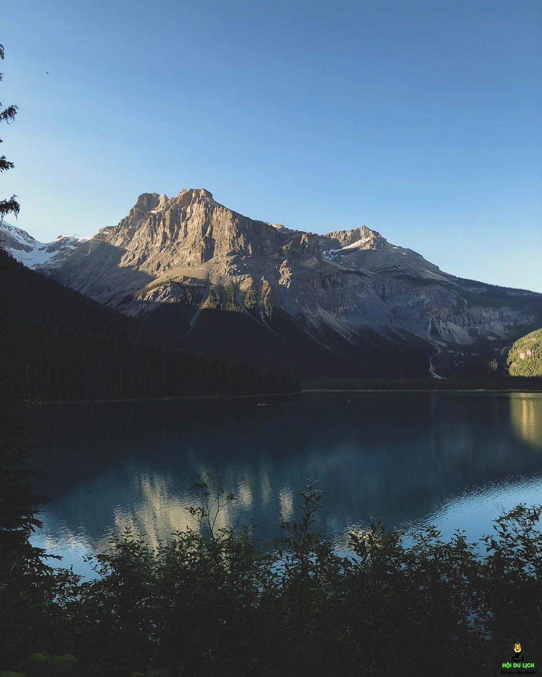 Hồ Emerald có một vẻ đẹp cuốn hút du khách