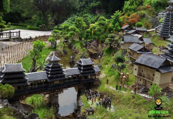 Kiến trúc những ngôi nhà cổ được mô phỏng trong công viên ( ảnh sưu tầm)