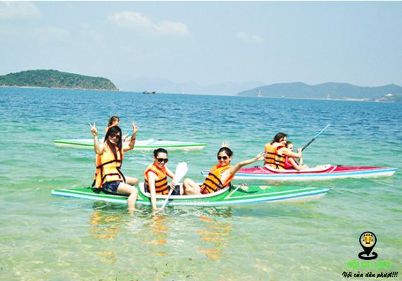 Trải Nghiệm đi Thuyền Kayak ở Hòn Tằm ( ảnh sưu tầm)