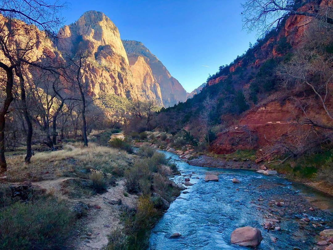 Vườn quốc gia Zion - địa điểm không thể bỏ qua tại Mỹ