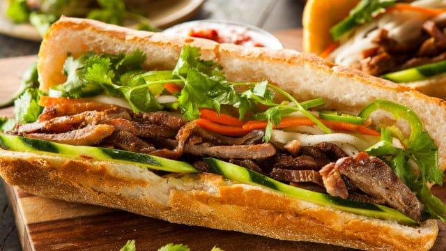 Bánh kẹp nhân thịt thật hấp dẫn (ảnh sưu tầm)