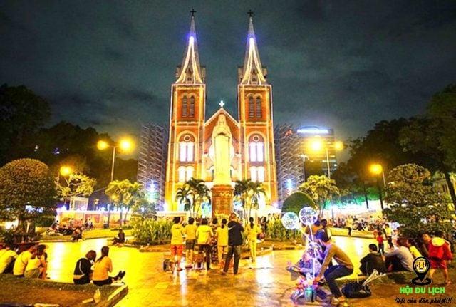 Địa chỉ: 01 Công Xã Paris, Bến Nghé, Quận 1, Hồ Chí Minh