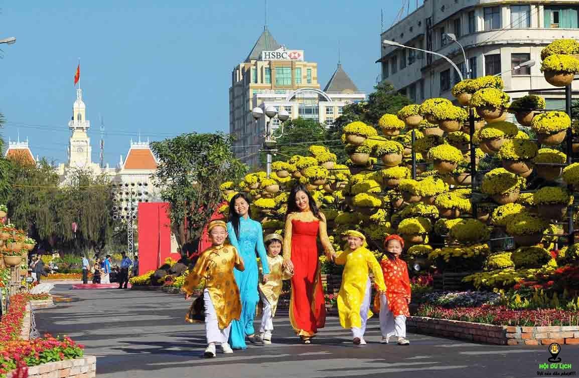 Đường Nguyễn Huệ - nơi vui chơi tuyệt vời trong ngày tết