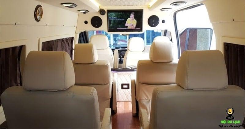Nhà xe Limousine Vũ Linh với đội xe cao cấp cùng không gian bên trong xe tiện nghi