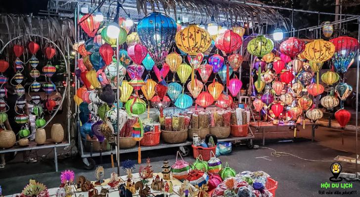Hàng thủ công mĩ nghệ được bán ở chợ đêm Sơn Trà (ảnh sưu tầm)