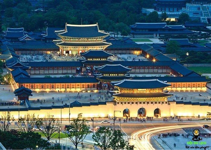 Cung điện Hoàng gia Gyeongbok địa điểm tham quan văn hóa truyền thống Hàn Quốc được nhiều du khách lựa chọn