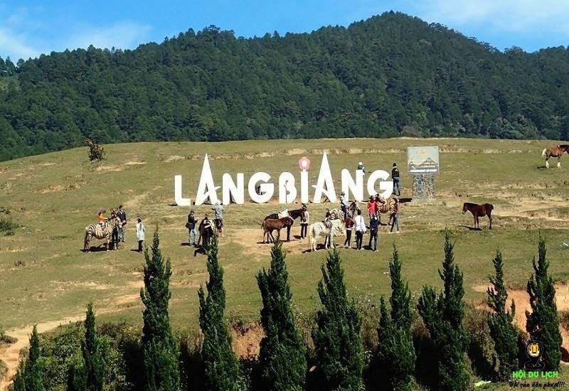 Núi LangBiang nổi tiếng của Đà Lạt.